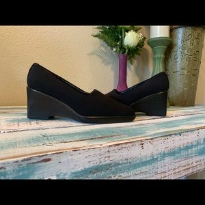 [Stuart Weitzman] Slip-On Wedges